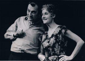 Gigi Bigot sur scène, photo noir et blanc