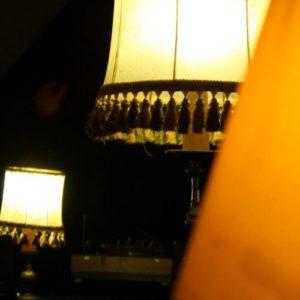 Deux lampes avec abat-jours anciens