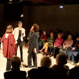 Photo de Sophie Clerfayt, Hélène Bardot et Christine Métrailler sur scène pour Indicibles territoires